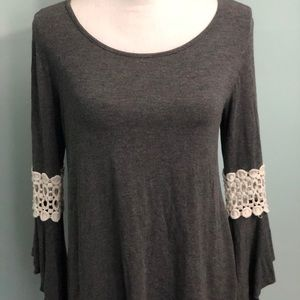 Tops - Size Small crochet detailed bell sleeve top Zuny